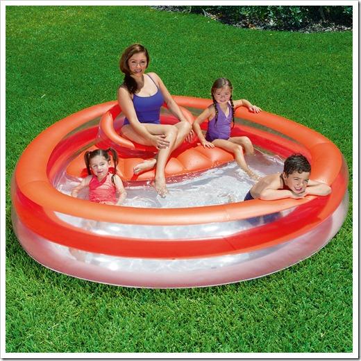 Почему стоит выбирать надувной бассейн, а не каркасный