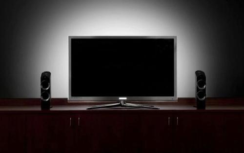 Телевизор сам выключается и включается: что делать