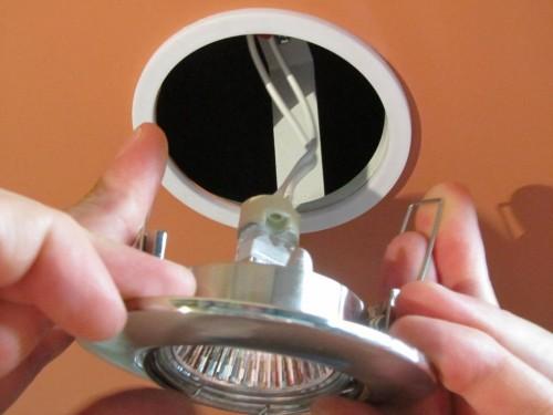 Монтаж мебельных светильников