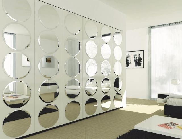 Стандартный декор – зеркала в интерьер