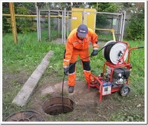 Попадание инородного предмета в канализацию